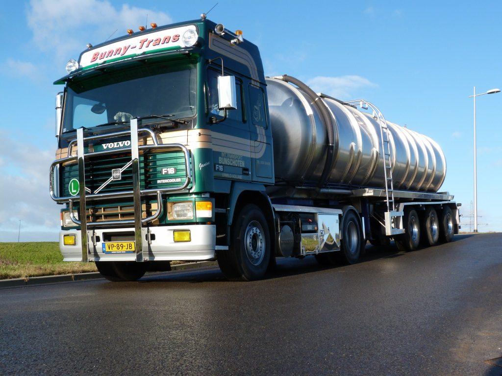 Volvo show rvs mestoplegger