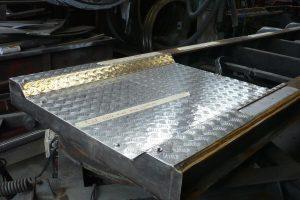 Tankbouw Tankaanhangwagen RVS tranenplaat